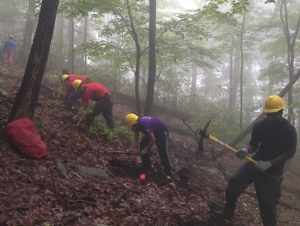 Students to Work on Trails in Appalachian Mountains