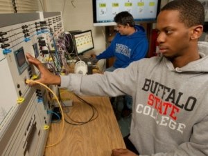 Electrical Engineering Students' Project Proposal Garners $5,000 Award