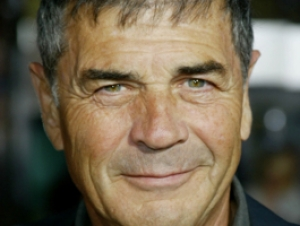 Actor Robert Forster to Spend Week as Artist in Residence