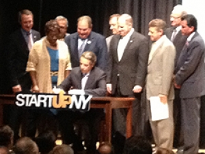 Cuomo Visits Buffalo State to Discuss START-UP NY