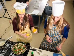 Students Provide Health and Wellness Tips to CDHS Employees