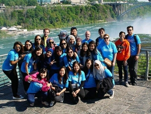 Students from Singapore Check WNY Water Quality