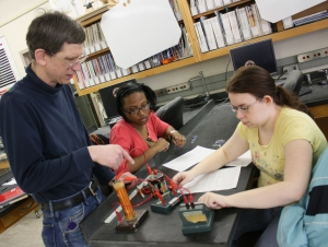 Report Cites Physics Education Program as among Best in Nation