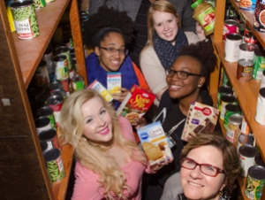 Food Pantry Receives Donations from Students on Giving Tuesday