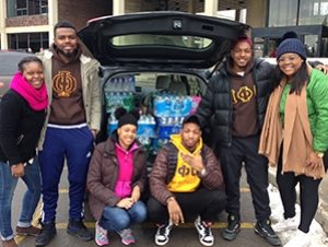 Students Collect Safe Water for Flint, MI