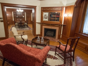Metcalfe house library